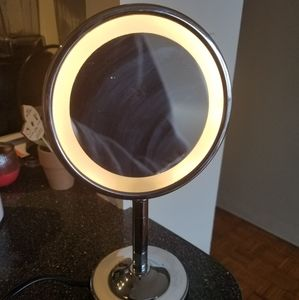 Conair 1.5/1× lighted cosmetic mirror with stand